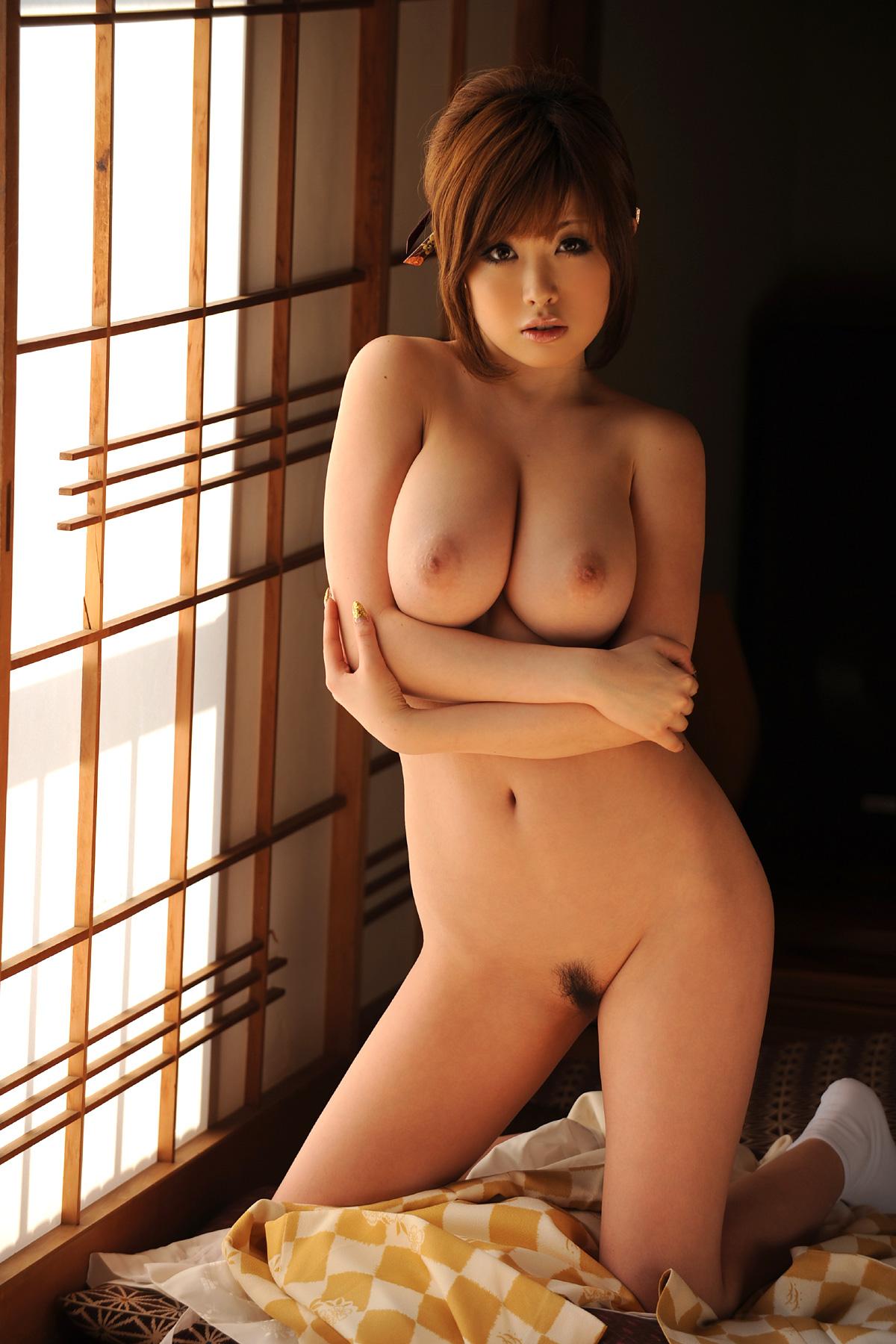 Японка с большими сиськами в фильмах